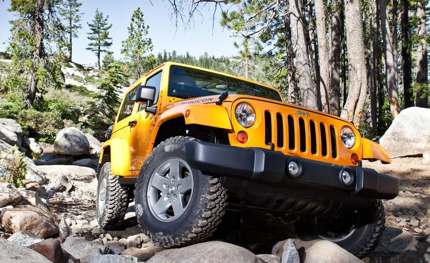 2012 Jeep Wrangler Rubicon - Slide 2