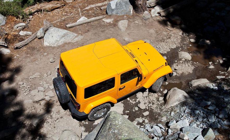 2012 Jeep Wrangler Rubicon - Slide 3