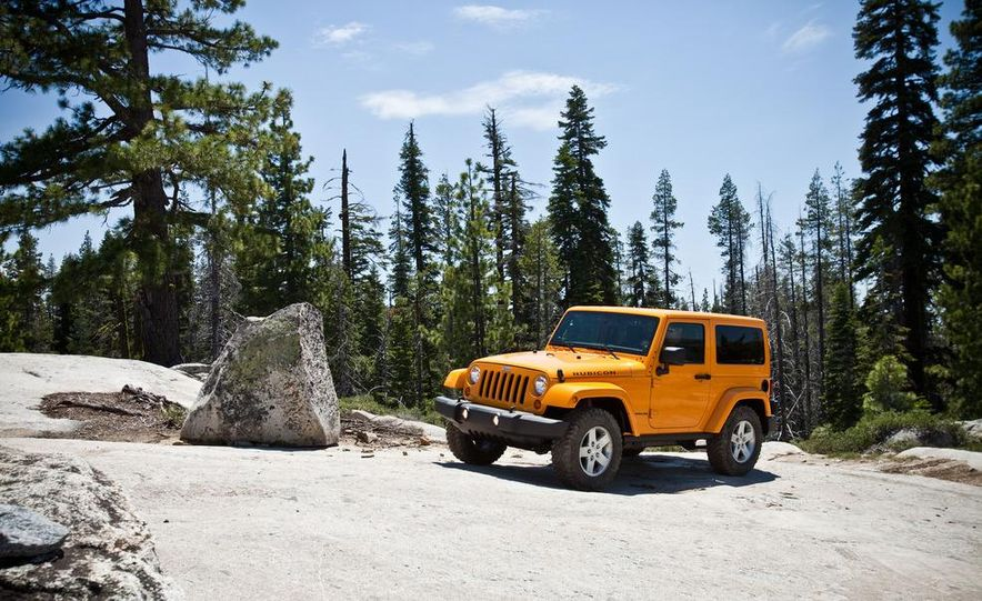 2012 Jeep Wrangler Rubicon - Slide 4