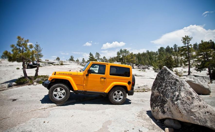 2012 Jeep Wrangler Rubicon - Slide 5