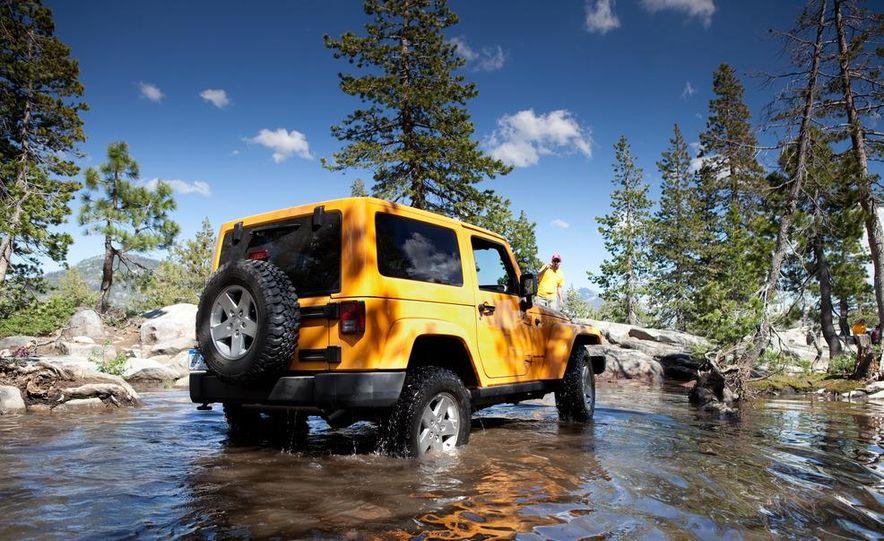 2012 Jeep Wrangler Rubicon - Slide 13