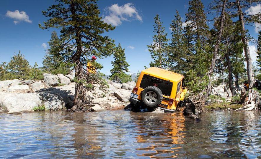 2012 Jeep Wrangler Rubicon - Slide 14