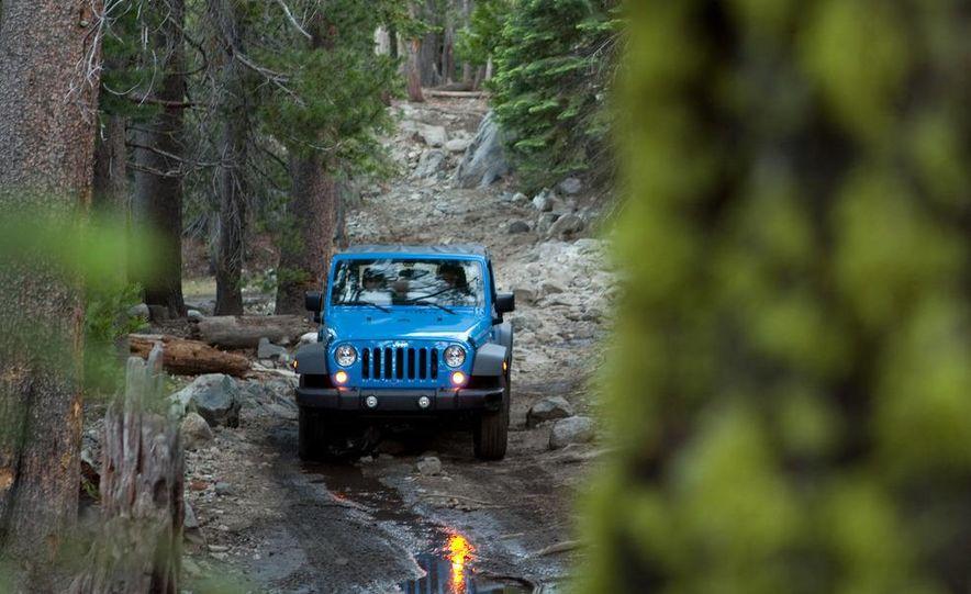 2012 Jeep Wrangler Rubicon - Slide 16
