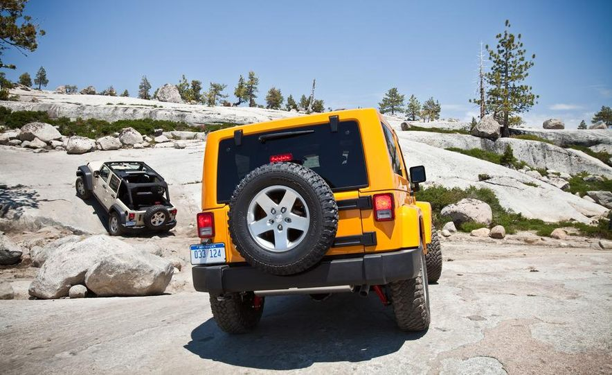2012 Jeep Wrangler Rubicon - Slide 21