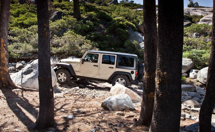2012 Jeep Wrangler Rubicon - Slide 39