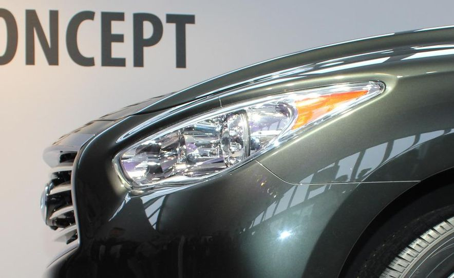 2013 Infiniti JX crossover concept - Slide 17