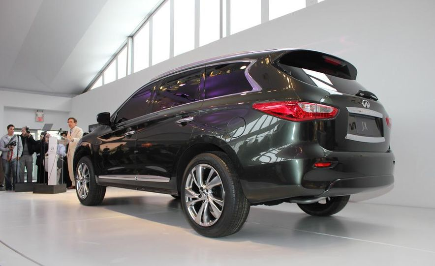 2013 Infiniti JX crossover concept - Slide 8
