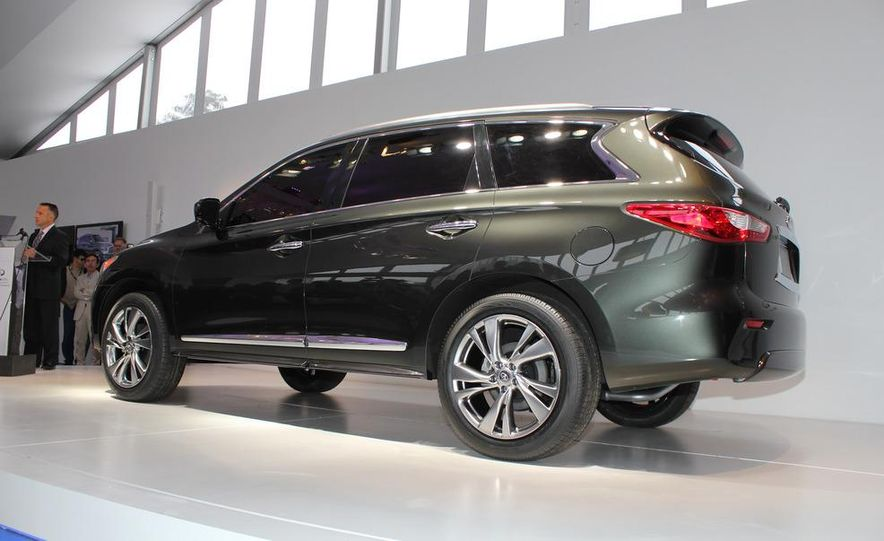 2013 Infiniti JX crossover concept - Slide 11