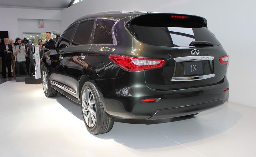 2013 Infiniti JX crossover concept - Slide 14