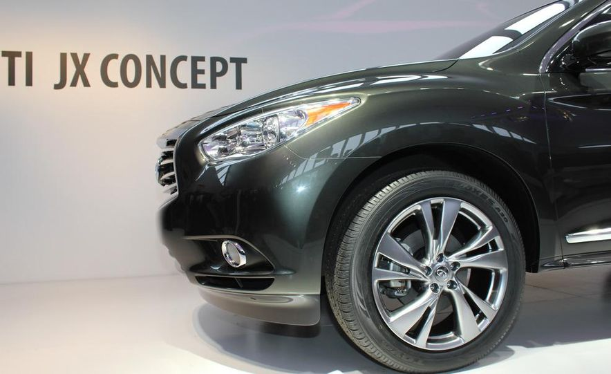 2013 Infiniti JX crossover concept - Slide 4