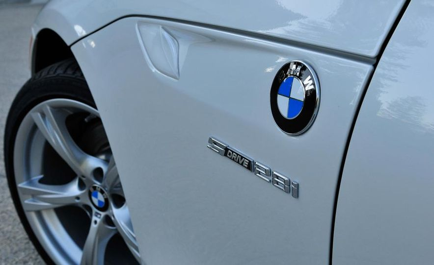 2012 BMW Z4 sDrive28i - Slide 4