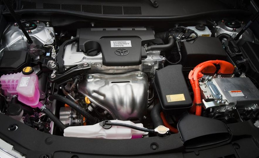 2012 Toyota Camry SE, Hybrid, LE, and XLE - Slide 20