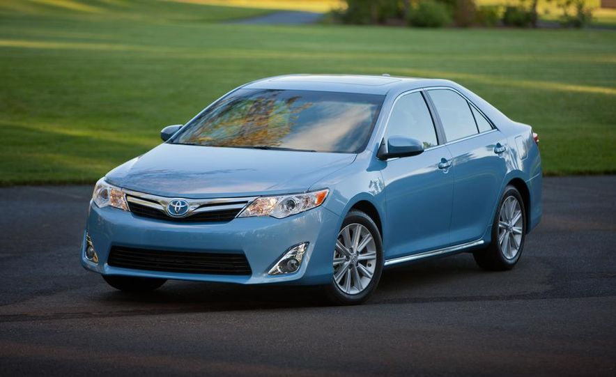 2012 Toyota Camry SE, Hybrid, LE, and XLE - Slide 13