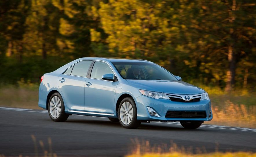 2012 Toyota Camry SE, Hybrid, LE, and XLE - Slide 14