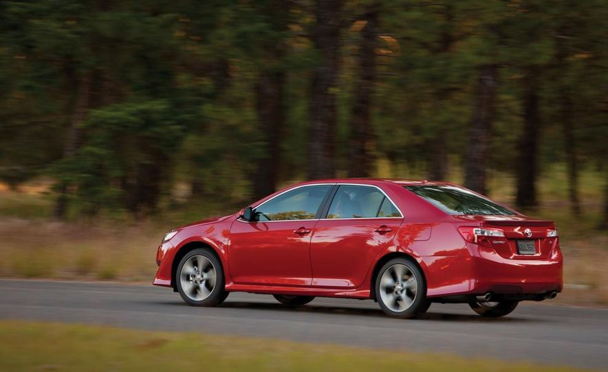 2012 Toyota Camry SE, Hybrid, LE, and XLE - Slide 5