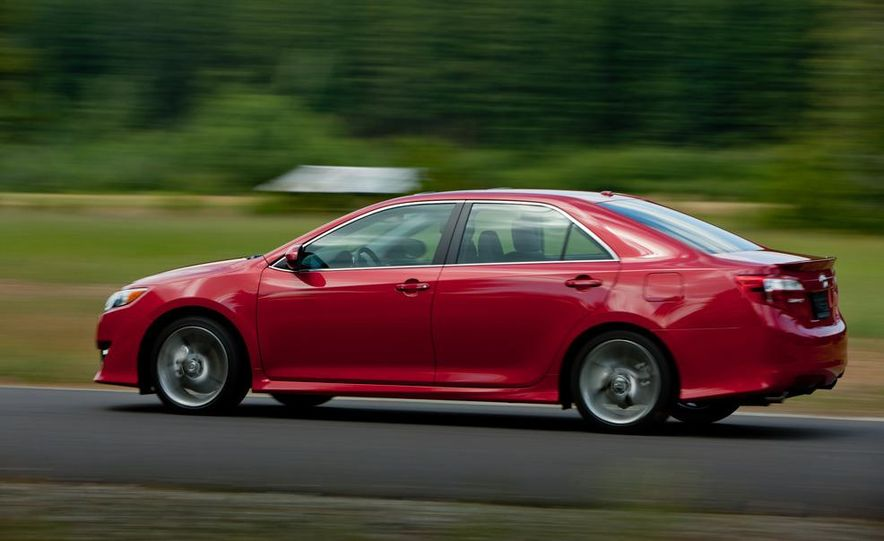 2012 Toyota Camry SE, Hybrid, LE, and XLE - Slide 6