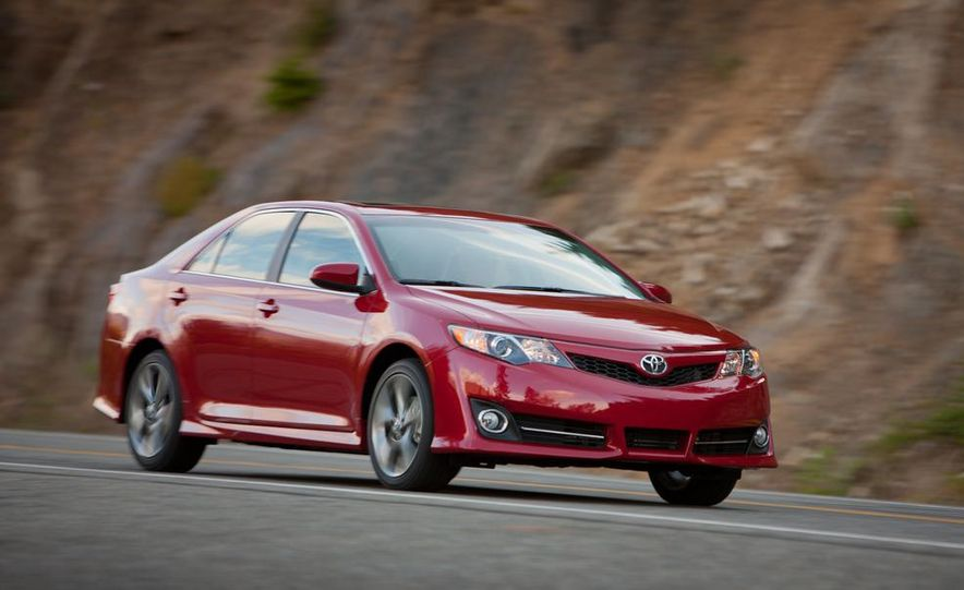 2012 Toyota Camry SE, Hybrid, LE, and XLE - Slide 3