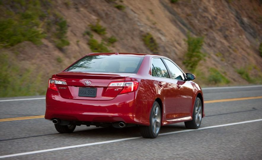 2012 Toyota Camry SE, Hybrid, LE, and XLE - Slide 7