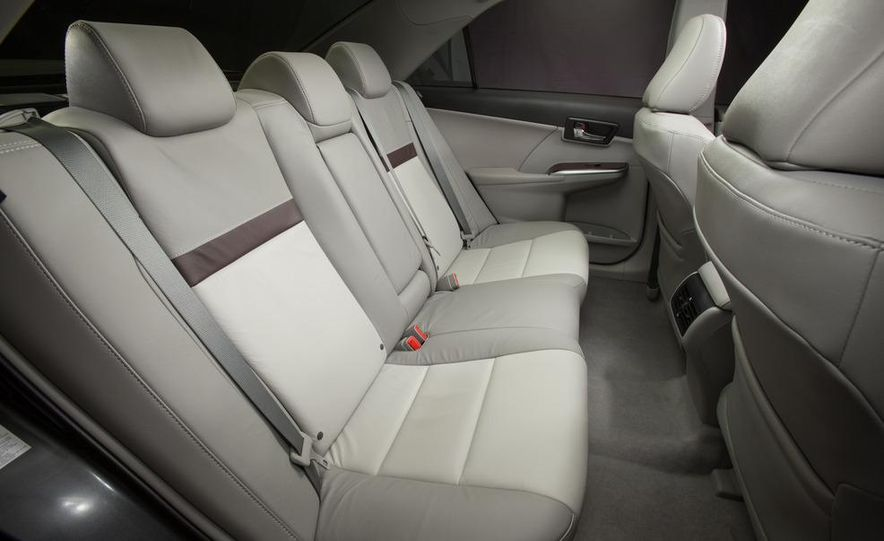 2012 Toyota Camry SE, Hybrid, LE, and XLE - Slide 28