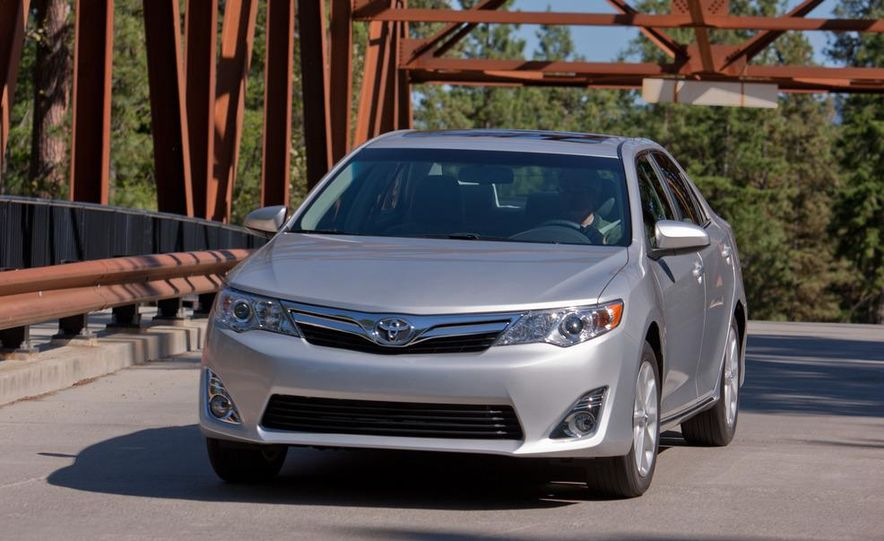 2012 Toyota Camry SE, Hybrid, LE, and XLE - Slide 21