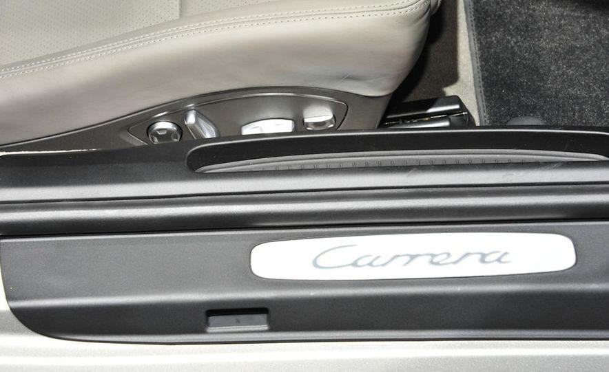 2012 Porsche 911 Carrera - Slide 16