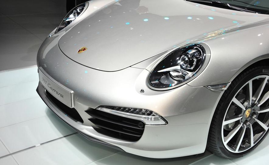 2012 Porsche 911 Carrera - Slide 4