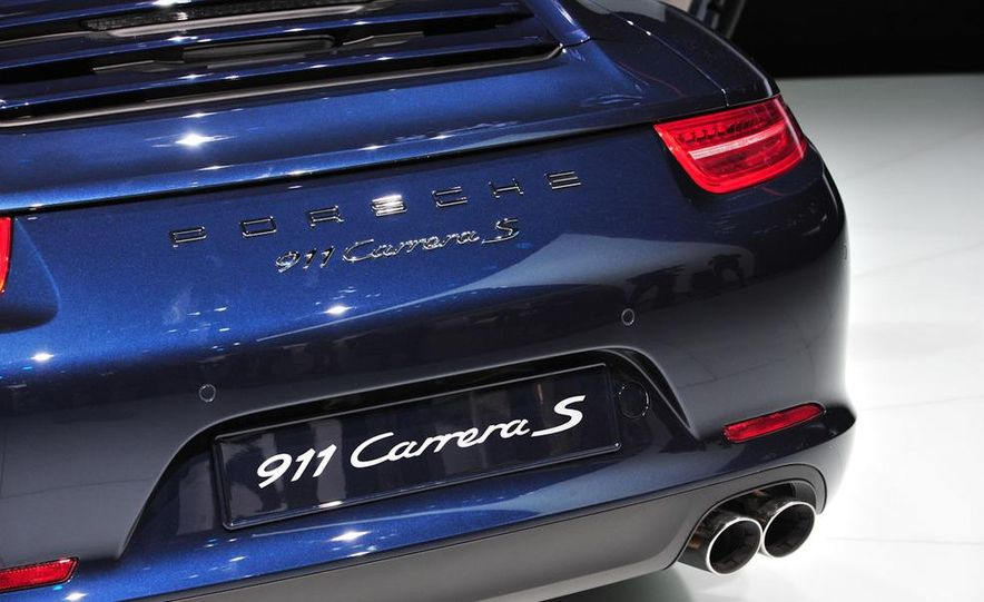 2012 Porsche 911 Carrera - Slide 33