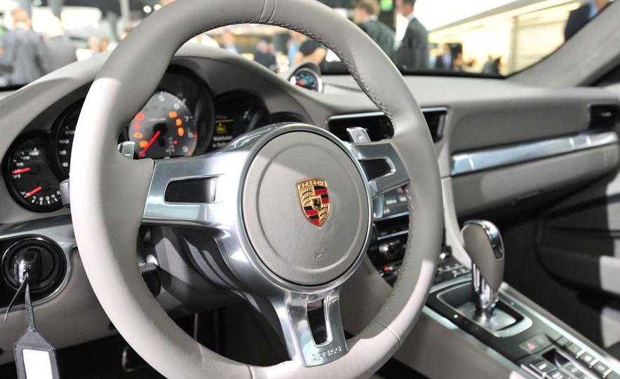 2012 Porsche 911 Carrera - Slide 47