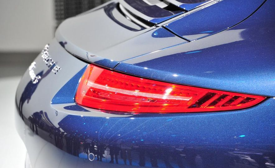 2012 Porsche 911 Carrera - Slide 37