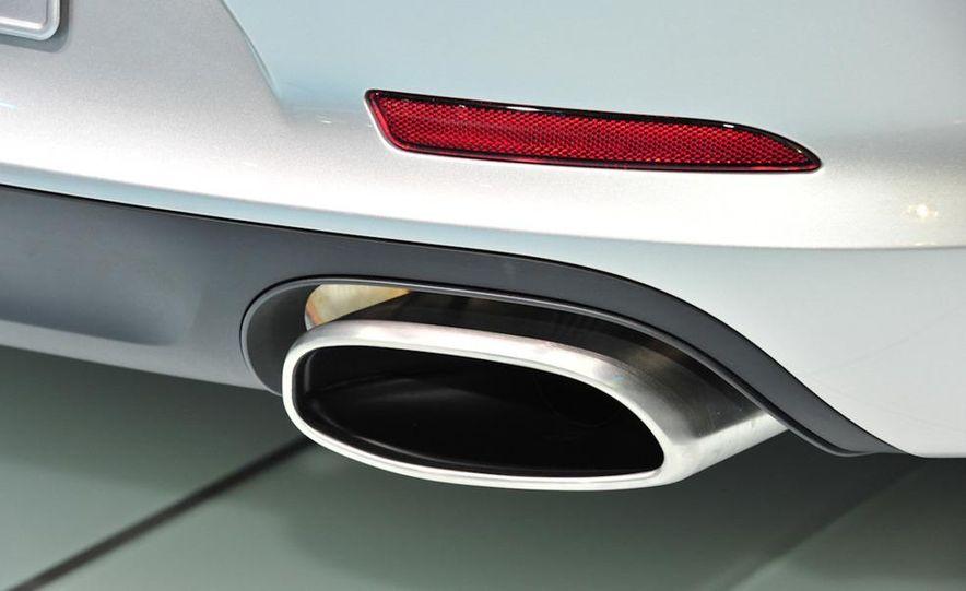 2012 Porsche 911 Carrera - Slide 7