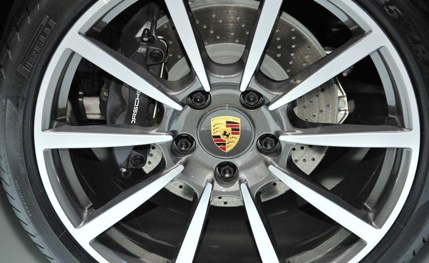 2012 Porsche 911 Carrera - Slide 6