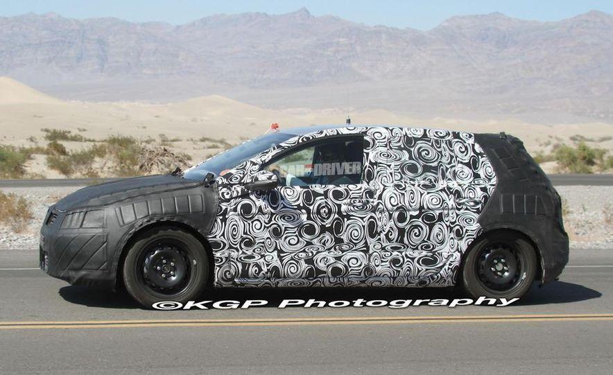 2013 Volkswagen Golf 5-door (spy photo) - Slide 6