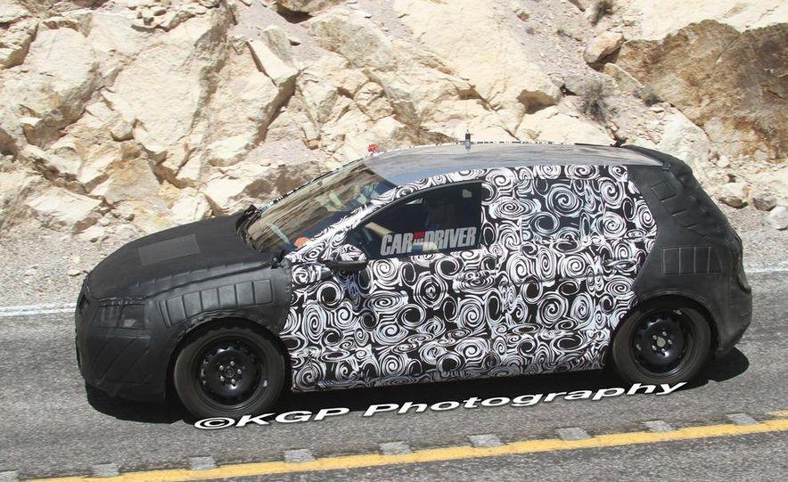 2013 Volkswagen Golf 5-door (spy photo) - Slide 15