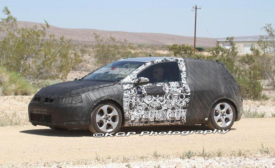2013 Volkswagen Golf 5-door (spy photo) - Slide 17