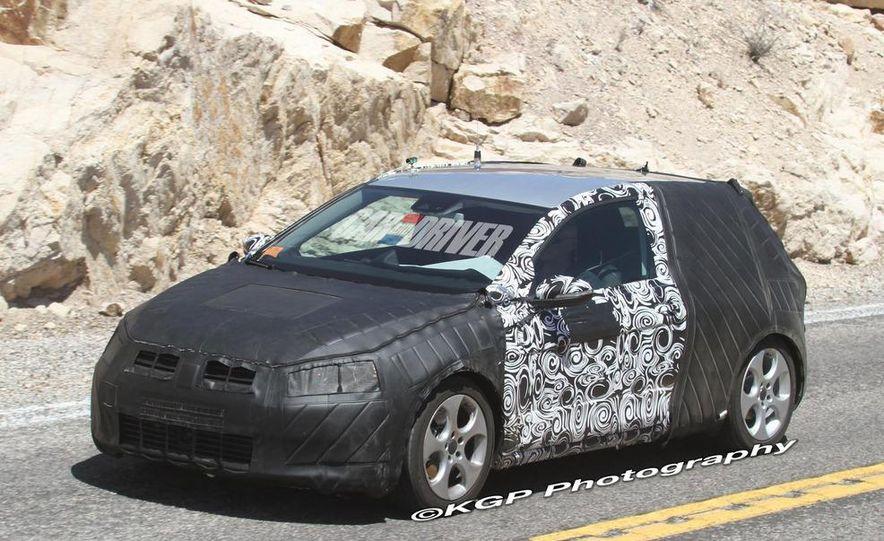 2013 Volkswagen Golf 5-door (spy photo) - Slide 21