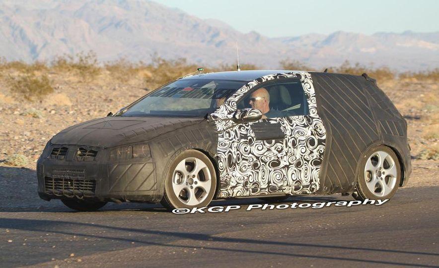 2013 Volkswagen Golf 5-door (spy photo) - Slide 32