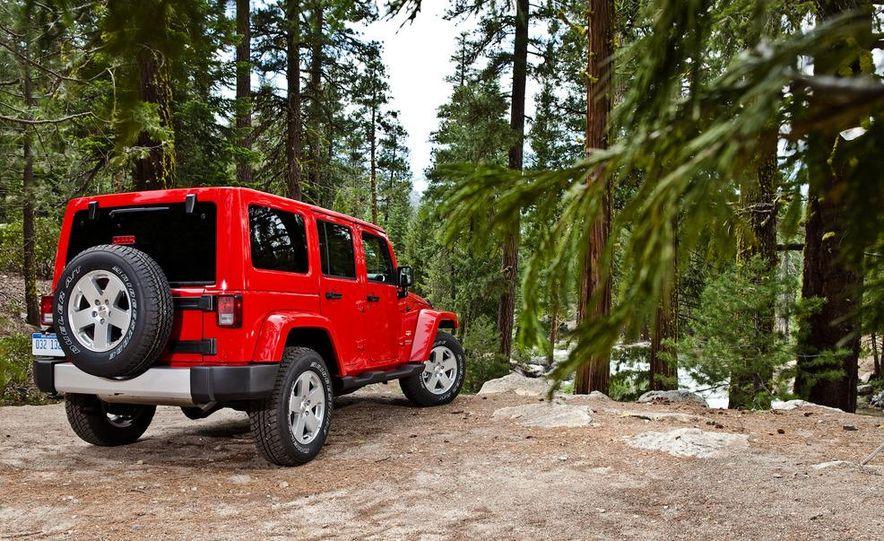 2012 Jeep Grand Cherokee - Slide 25
