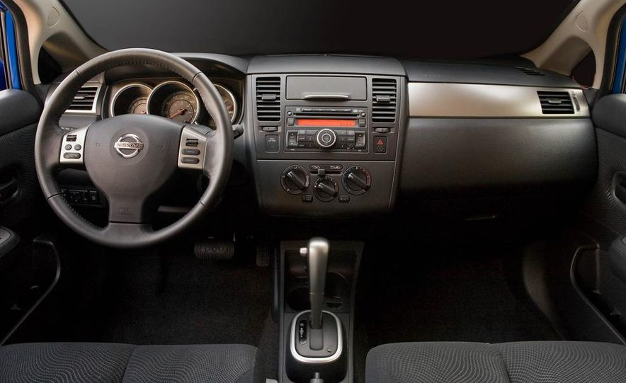 2012 Nissan Murano CrossCabriolet - Slide 19