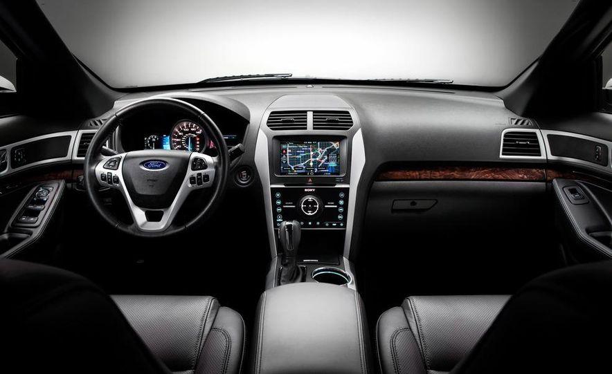 2012 Ford Explorer Limited 4WD - Slide 12
