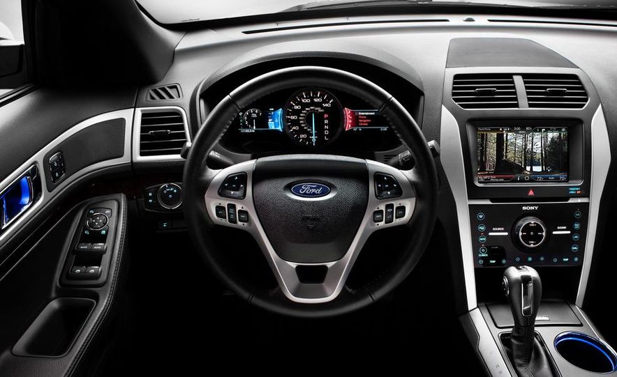 2012 Ford Explorer Limited 4WD - Slide 14