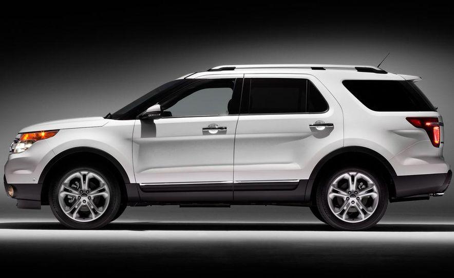2012 Ford Explorer Limited 4WD - Slide 3