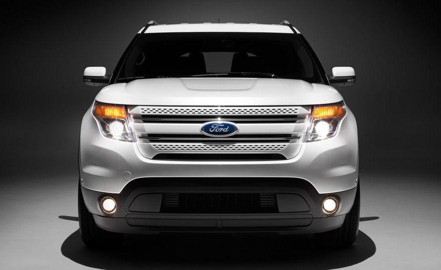 2012 Ford Explorer Limited 4WD - Slide 10