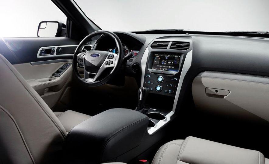 2012 Ford Explorer Limited 4WD - Slide 20