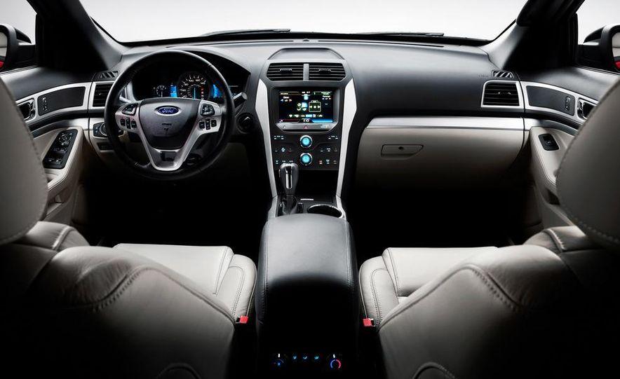 2012 Ford Explorer Limited 4WD - Slide 21