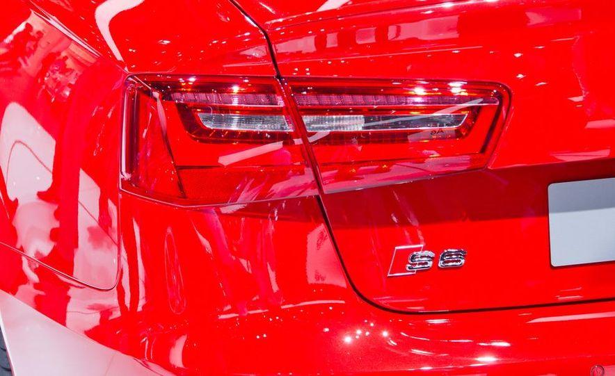 2013 Audi S6 4.0T sedan - Slide 10