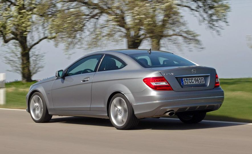 2012 Mercedes-Benz C250 coupe - Slide 2