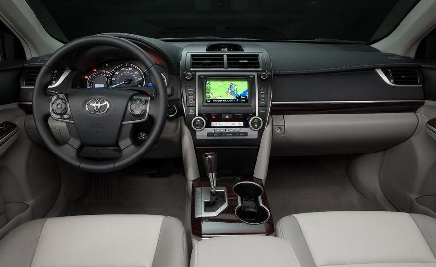 2012 Toyota Camry hybrid - Slide 15