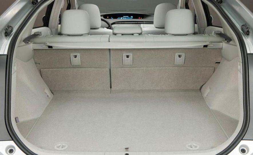 2012 Toyota Camry hybrid - Slide 27