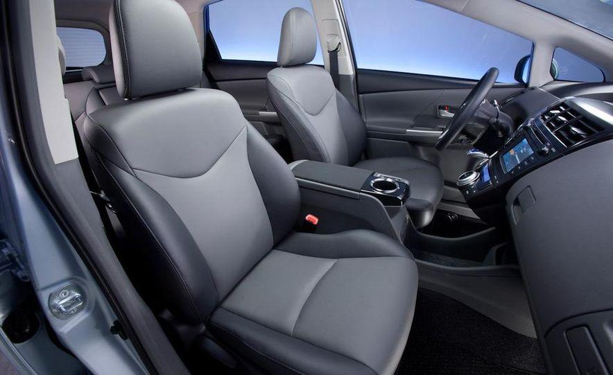 2012 Toyota Camry hybrid - Slide 33