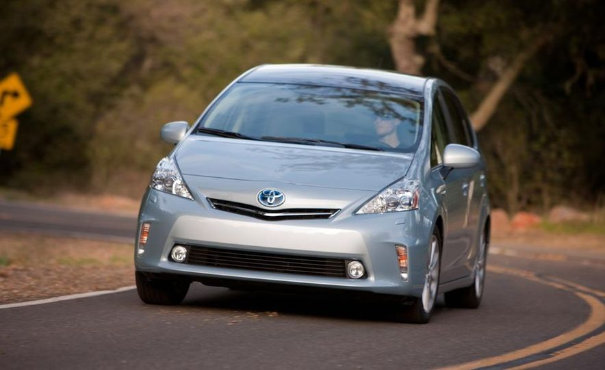 2012 Toyota Camry hybrid - Slide 30